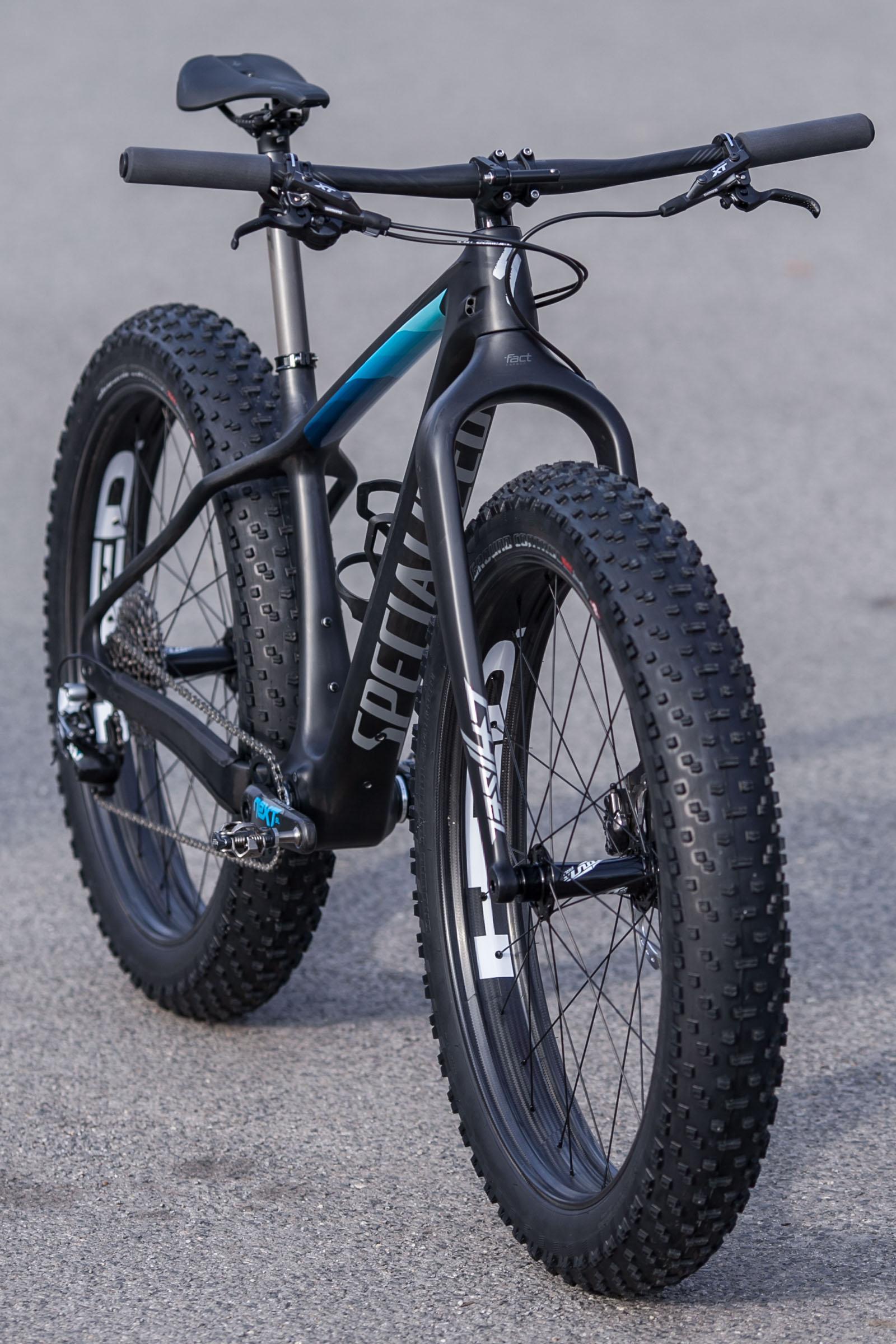 specialized fatboy expert carbon 26 2017 satin carbon black blue